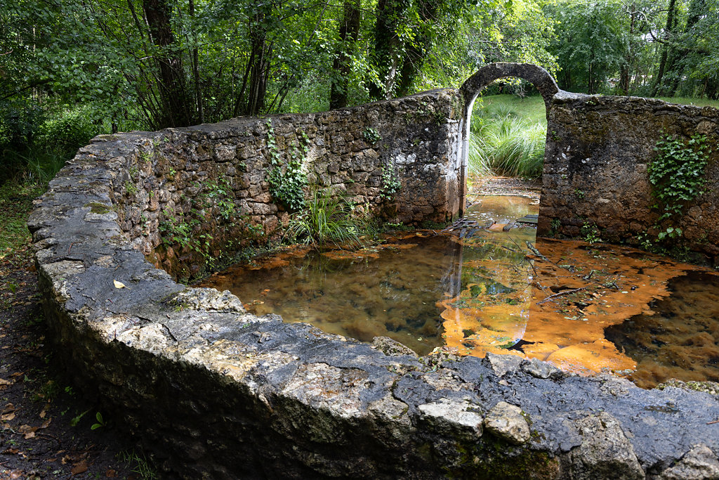 Fontaine druidique-Bernos