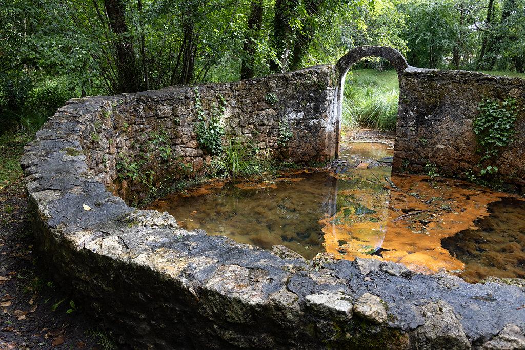 Fontaine druidique-Bernos